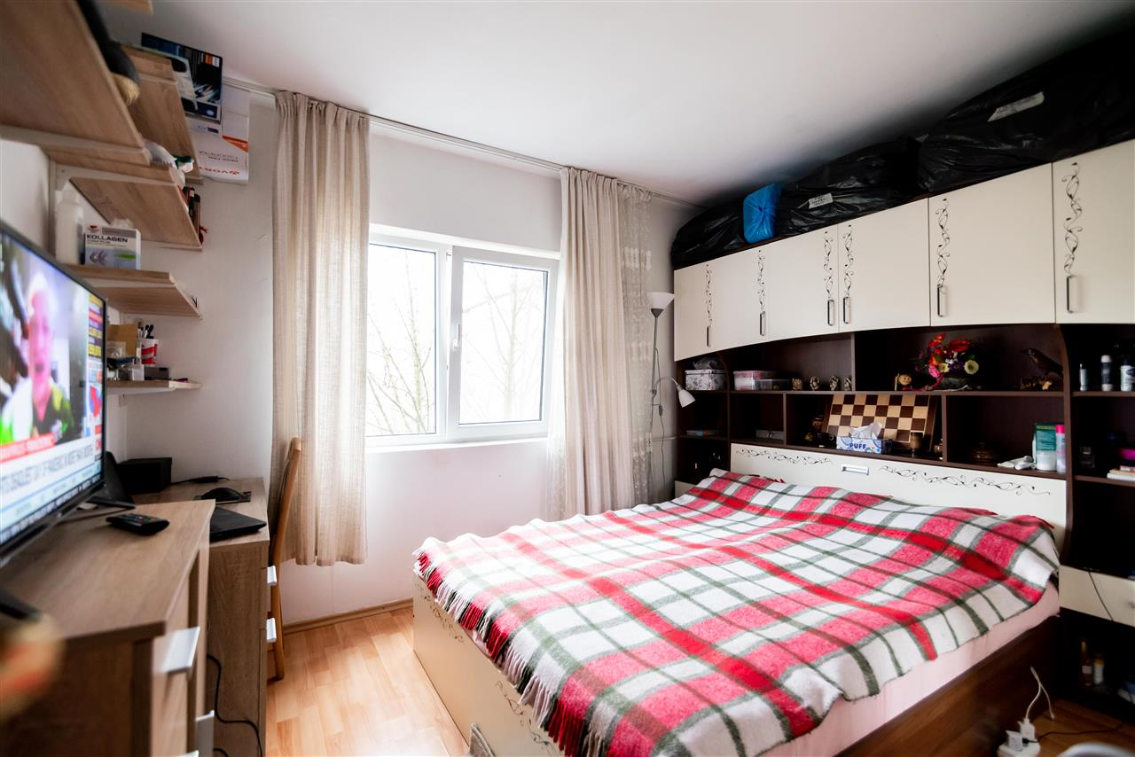 Apartament cu 3 camere iosia