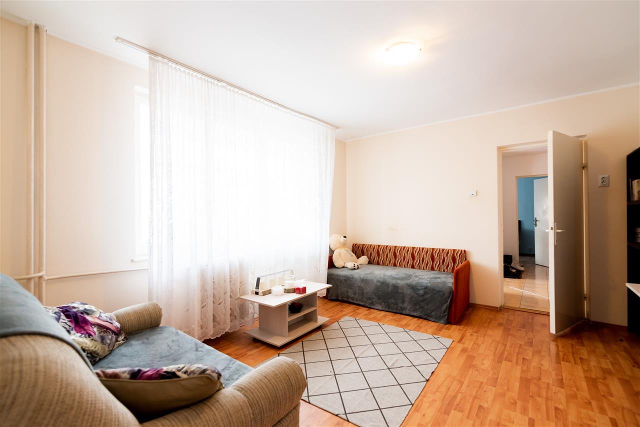 Apartament 3 camere zona buna