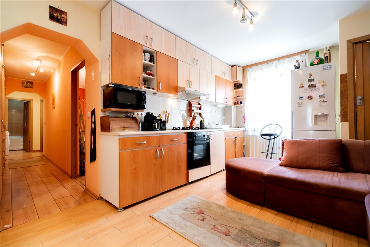 Apartament cu 2 camere,parter,Oradea,zona Cantemir