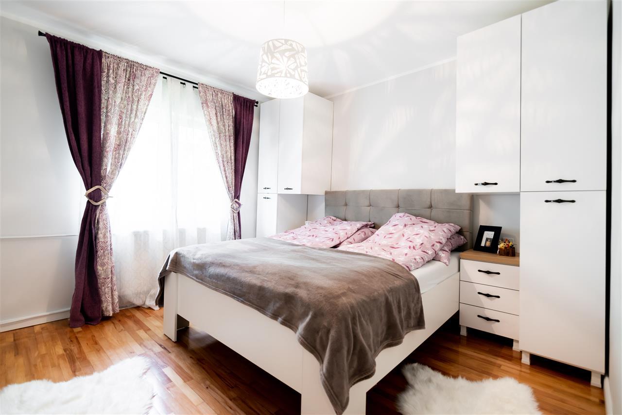 Apartament 3 camere, parter, pe Alexandru Cazaban