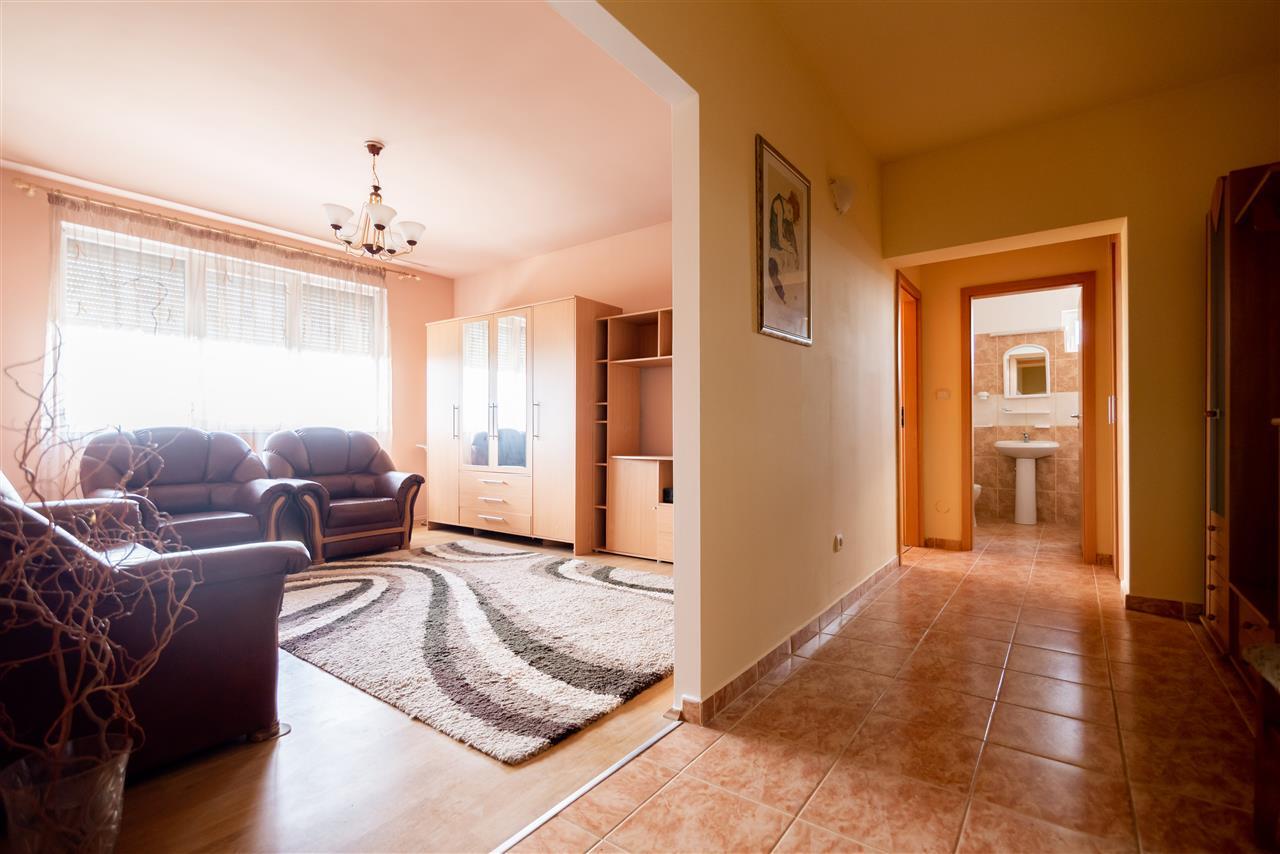 Apartament 2 camere,ideal pentru regim hotelier,Sanmartin