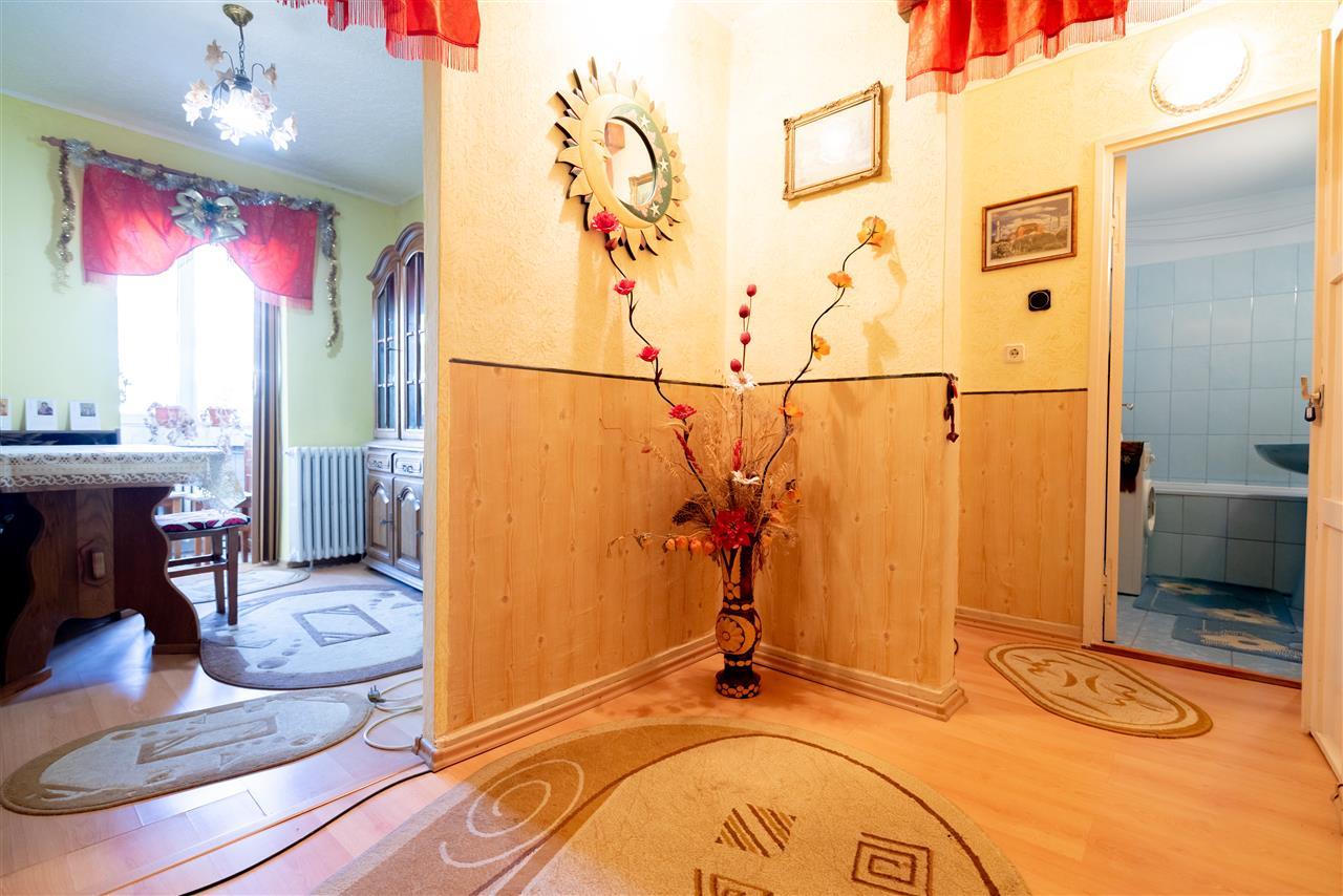Apartament 2 camere,zona Nufarul