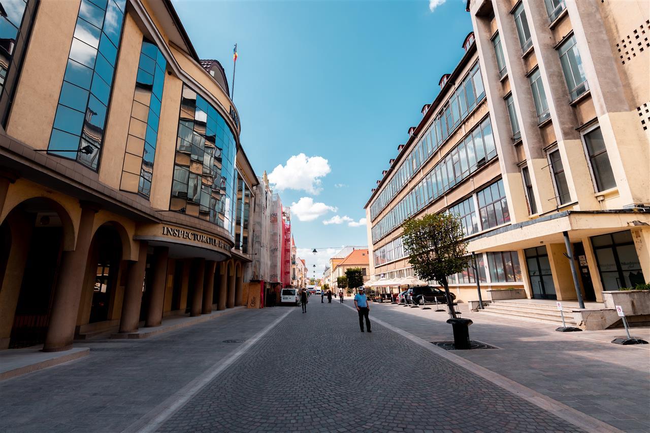 Apartament 4 camere pe pietonala Vasile Alecsandri