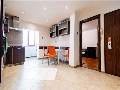 Apartament cu 3 camere zona Rogerius