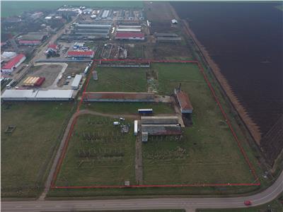 Ansamblu de hale industriale,zona aeroport