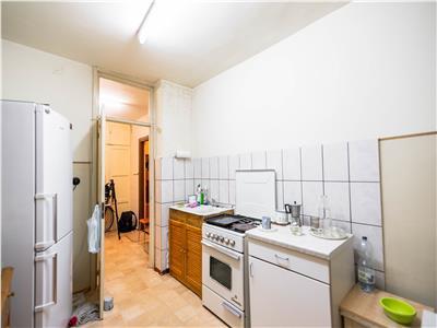 Apartament cu 4 camere, Dacia colt cu Decebal, parter