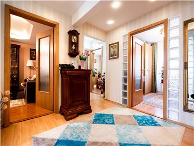 Apartament 4 camere de vanzare Oradea zona Nufarul