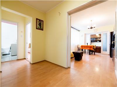 Apartament cu 3 camere, zona Sovata