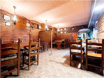 Afacere la cheie cu restaurant si 3 apartamente ultracentral
